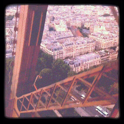 埃菲尔铁塔〜登顶咯!😃带你们看巴黎全景去〜