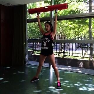 腿部+腰部训练#健身##健身房##爱健身#