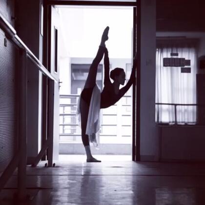 #舞蹈##照片电影##晚安#毕业之际 珍惜接下来还能起舞的日子😌💜