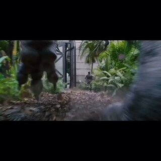 《侏罗纪世界》 主演是最近风头正劲的克里斯·帕拉特 《银河护卫队》星爵的扮演者 这是环球计划把《侏罗纪公园4》打造成全新的三部曲。档期敲定在2015年6月12日 大家等暑假吧#蒋先森的电影分享#