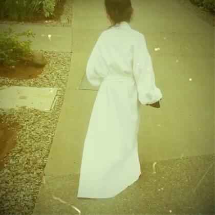 这梦寐以求的拖地长裙,看得我也是醉了……👗👯