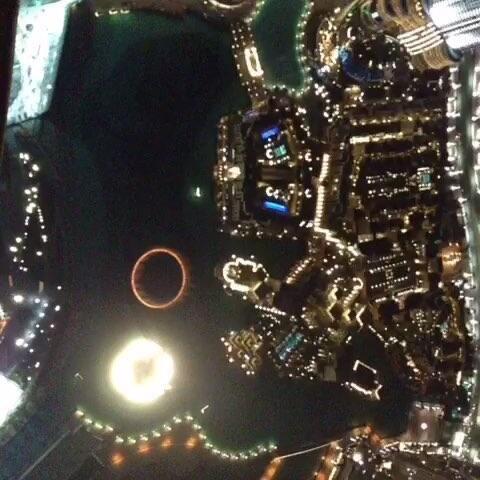 哈利法塔上的音乐喷泉