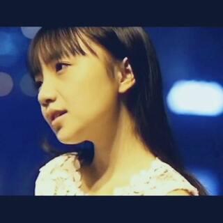 纯净暖心的《夜空中最亮的星》,献给所有为了梦想和爱的人而奋斗的人们。完整版在新浪微博:中国好学姐周玥 微信公众账号:中国好学姐 #60秒美拍#