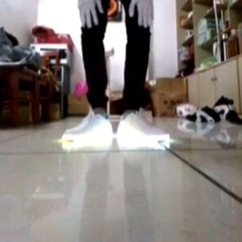 #鬼步舞#教学:蝴蝶步,记得压腿。慢动作,认真练