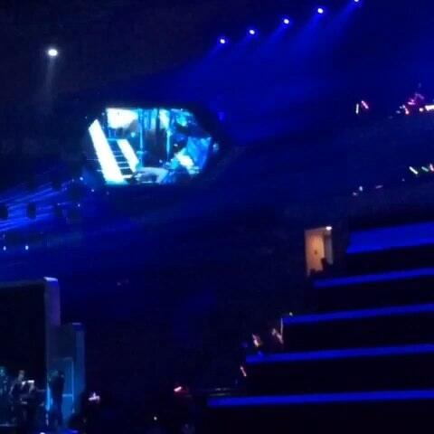 跨年 江苏卫视跨年演唱会 周杰伦 Intro鞋子特大 江苏卫视跨年演唱会视图片