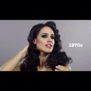 100年发型历史(伊朗版)你们喜欢哪个年代的?我喜欢2010。这类视频共三个版本。(【关注+私信 新浪微博:蒋先森的昵称】 微博私信【一百年发型】获取完整版已经(白人版)和和(黑人版))#女神#