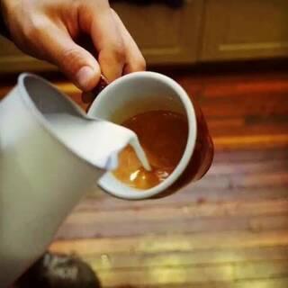 #咖啡拉花#專注做好每一個細節!