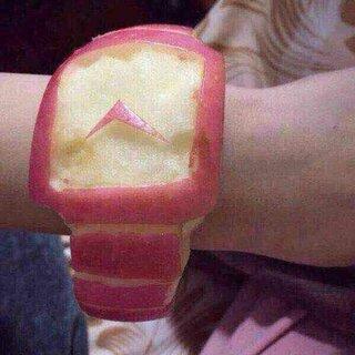 #60秒美拍#😌苹果又出新款了,终于赶在第一时间用上了apple watch😉 内心非常激动😂😂😂 大家一起用起[奋斗][奋斗]