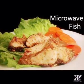 微波炉蒸鱼 Microwave Fish By:KindlyKhan#美食# 非常简单 我加的是巴基斯坦烤鱼粉 你们可以加你们喜欢的