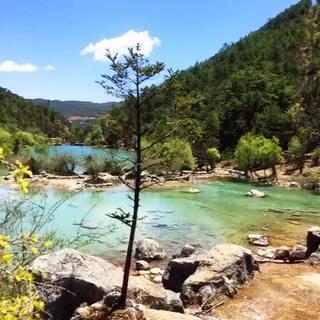 #旅行# 丽江玉龙雪山蓝月湖,景色很美,爸妈都很开心。😊
