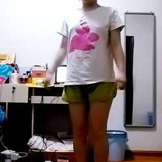 #晒睡衣#萌萌哒。夏天真的来了。还没准备买衣服呢。😂😂😂😂微博:三个人的呢