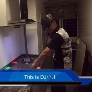 #厨房DJ争霸赛#🔥welcome厨房Club,我是DJ小川,现场的朋友们!把你的双手借给我,Three!Two!One!GO!嗨起来!灶起来!哇唔!一整晚疯狂感谢摄像@吴智勇- #我要上热门#@TOPsuper小虎 来看看吧!