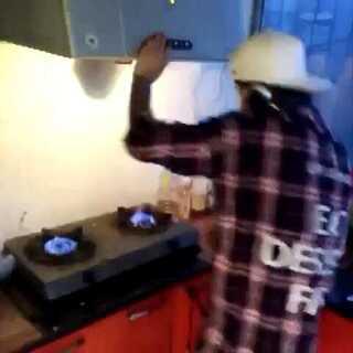 #厨房dj争霸赛#这也没谁了。