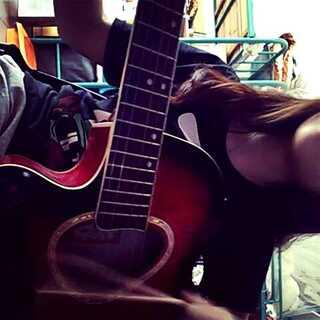 #音乐##宿舍的日常##用筷子弹吉他#纯属乱搞😂😂😂😂
