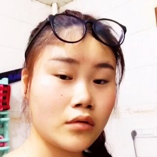#眉毛戴眼镜##眉毛戴眼镜#看起來好像很好玩的样子,我脸大我也来试试 这样算吗😂😂