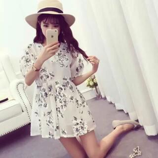 #我正是少年#我家漂亮的衣服。图片中价钱60到80,喜欢可加我微信哟meiyao19