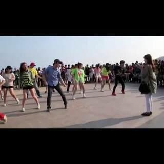 """#当前韩国热门视频#142 不知道有几个女生能够抗拒这么浪漫这么帅的求婚?/快被浪漫哭了😭😭/ 看完之后是不是又想说""""别人的求婚""""""""别人的浪漫""""#舞蹈#"""