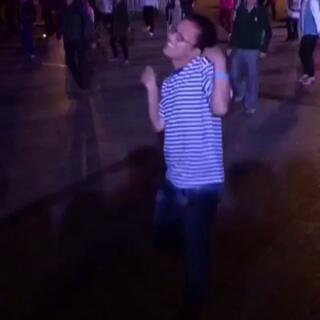 #广场舞##搞笑#广场舞骚年又出新作了😂这风骚范也是没sei了😂
