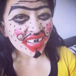 #变美大赛##丑女下一秒变美女#愿赌服输 謝謝我优秀的化妆师😂😂😂其实我们每個人都很美 不要轻易对一個人的外貌妄加评论🙏