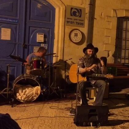 以色列萨法德小镇的夜生活。纯澈的浪漫。