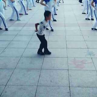#随手美拍#中国广场舞后继有人呐😃😃😃