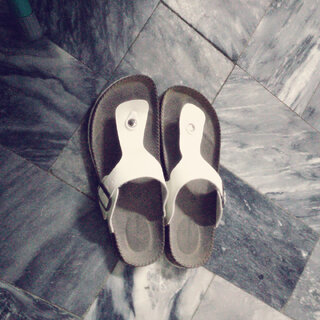 #拖鞋pk赛##美拍表情文##随手美拍##周一#