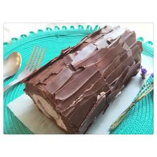 在情人节這一天送上親手作的巧克力蛋糕,最能讓另一半感受到你的心意喔!快來看看愛料理#七夕约会餐##美食## 吃货煮意#祝大家周末愉快😊🎵sunny day.