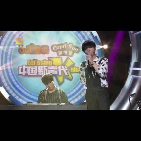 华晨宇大学时期的声乐老师姜胜楠惊喜降临!恩