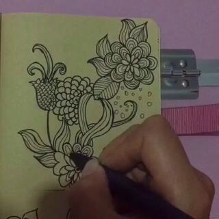 #我的线描画##线描社###cos花千骨#今天有些不舒服,🌸💞画个简单花花🐾🐾喜欢就动动你的手指给个赞吧🌷💕