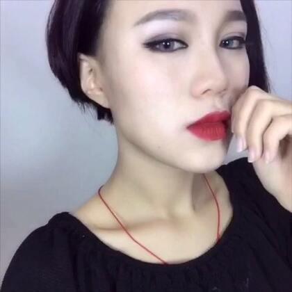 #不完美的完美#卸妆大挑战,喜欢用化妆将自己变成各种模样,但也喜欢卸妆后真实的自己,卸掉🍐和烦恼吧~享受#ESPRIT#