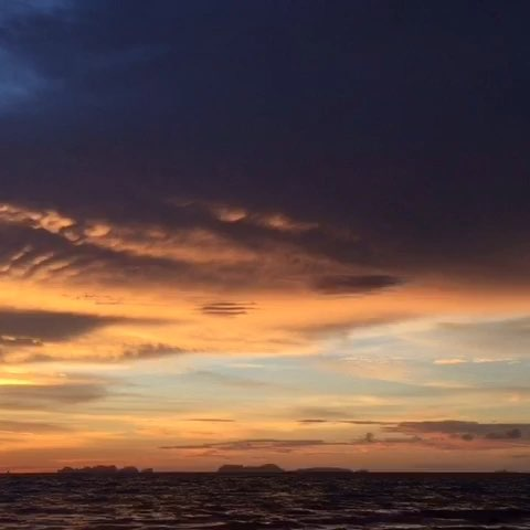 海边夕阳!