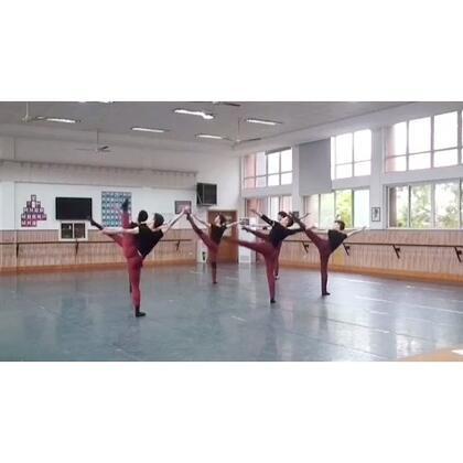 #舞蹈##2014考核#古典舞组合《孤鹤》 原创、编排、U乐国际娱乐@刘福洋87号 👏👏👏