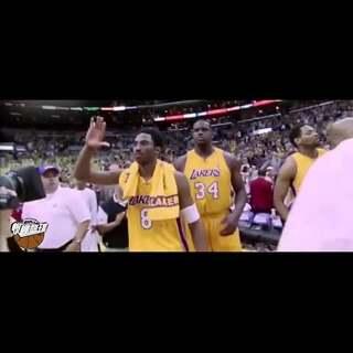 紫金王者,传奇依然,你从未见过的科比生涯纪录片part 2。最新鲜的篮球观点,最纯粹的篮球视频,最独到的篮球解读。最欢迎关注:爆棚篮球的球教练,微博id:爆棚篮球,微信id:爆棚篮球。#科比##篮球##NBA#