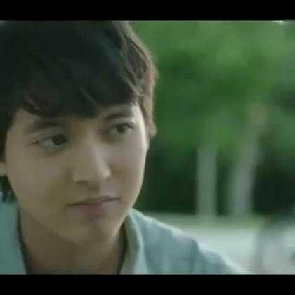 #泰国电影##时光情书#男主##james jirayu#女主不知道叫啥,这是我看过最#小清新#的电影了,看一次哭一次😭😭这歌也好听《多远才是近的距离》