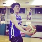 旋轉,跳躍,我閉著眼⋯ 你們猜這球進了沒? #籃球####就是要運動##