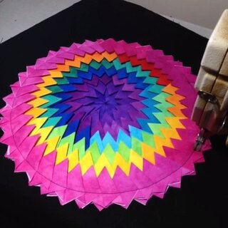 【彭元元拼布】彩虹渐变拼布蒲团,制作过程分享~🌺🌺🌺#涨姿势##60秒美拍##拼布##机缝拼布的节奏##手工##创意小课堂#