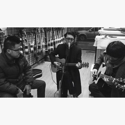 《爱人》拾光乐坊,初次排练。#吉他弹唱##音乐##吉他##朱腹黑和吉他#新浪微博@朱腹黑
