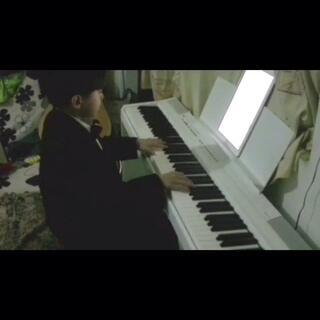 有个美女姐姐要听(卡农)刚到家就给你弹了 希望你喜欢😊#音乐##钢琴曲##小小钢琴家##钢琴家##仔仔弹钢琴#