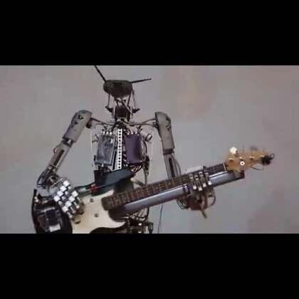 #音乐#德国黑科技:机器人摇滚乐队莫斯科演唱会#涨姿势##我要上热门#