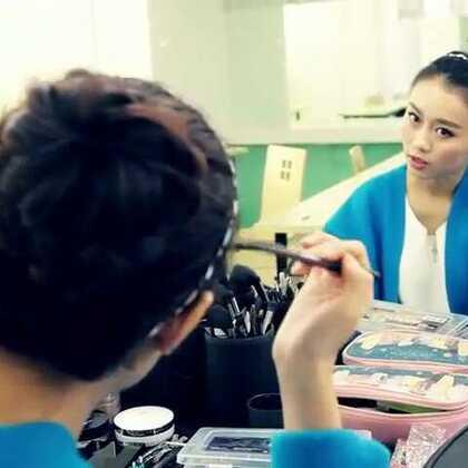 怎样让发际线显得很饱满?用好你的眉粉、眉笔、修容粉!#美妆时尚#视频主是小红唇达人-猫猫 微信号:xhcmmm