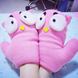 #把手套套在脚上#😊😉😂