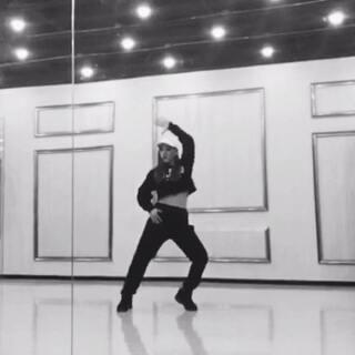 #舞蹈镜面分解#今天的舞蹈分解视频是im工作室May j lee的✨super star✨ 第一次录分解 希望可以帮助到大家😘😘还有学过的宝宝也可以看看 过年没事儿在家复习练练👌🏻💪🏻#舞蹈##我要上热门#