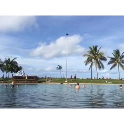 #旅行##圣灵群岛#2016.2.6.堪培拉-布里斯班-艾尔利滩👙在airloe beach lagoon晒太阳的下午