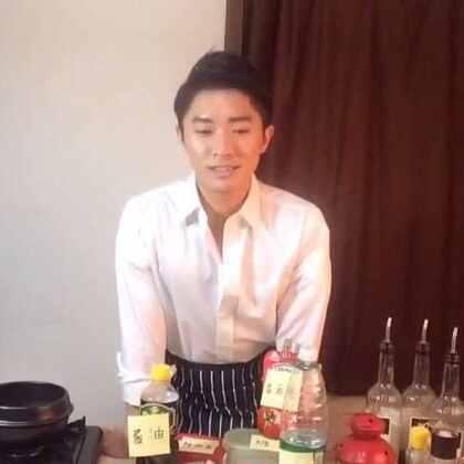 떡볶이😘 3分钟做的韩式炒年糕#美拍美食厨艺大赛##男神##吃饭直播##我要上热门##韩国美食# 房间号:91354335