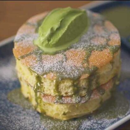 日式厚鬆餅 快来试试看噜 也可到我的优酷:http://i.youku.com/dimcookguide看看 #美食##不用烤箱的甜品#