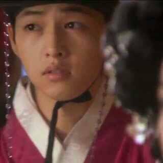 #宋仲基##成均馆绯闻# Sungkyunkwan scandal Song Joong Ki (turn)Cut. cr.bysinghe2 【 背景音乐:Supreme Team/Soulman - 因为你(너 때문이야) 】