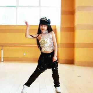 6岁跳#Good boy#&#I got a boy##Bigbang##少女时代##自学舞蹈##00后舞蹈大赛##舞蹈##我要上热门##宝宝##5分钟美拍#@美拍小助手 请大家多多点赞支持,谢谢☺