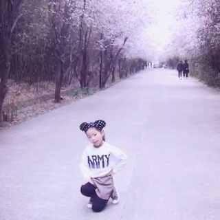 #gfriend-玻璃珠##舞蹈##韩国舞蹈#樱花?梅花?桃花?梨花?请假我的微信(xyzxl2010)为心怡#宝宝#比赛活动投上一票…需要大家的支持…谢谢你们…😘