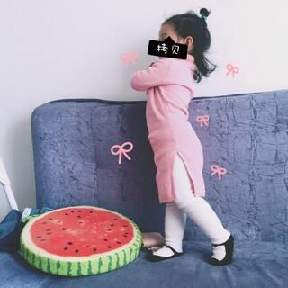 """#x兮23个月#+1🌸我兮妹真是个暖心小棉袄❤️自从娟娟有次给她削水果不小心割到手,以后一看到娟娟拿到或✂️就在旁喊""""小心点别割到手啊""""❤️刚刚看📺光头强拿斧头,把她给急的冲📺直喊""""啊强!小心点!别割到手啊!""""#陪你长大#"""