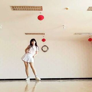 #玻璃珠##韩国舞蹈#我更新的是慢点,但毕竟是上班汪,不比学生啦😁感谢为数不多的粉丝们每次为我点赞,真的无比开心。😊